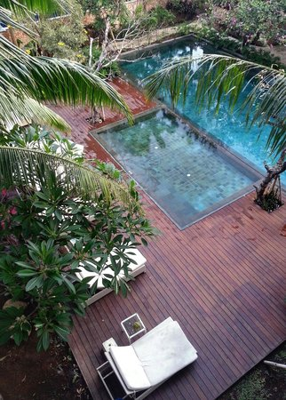 Fontana Hotel Bali: View from balcony on the swimming pool (often empty)