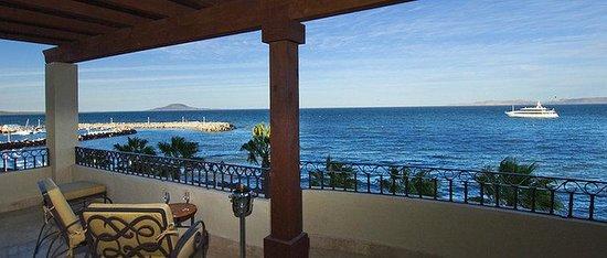 La Mision Loreto: Balcony