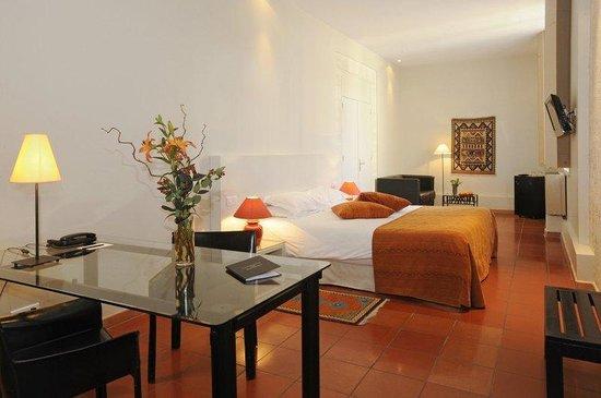 Hotel Cloitre Saint Louis : Deluxe Room
