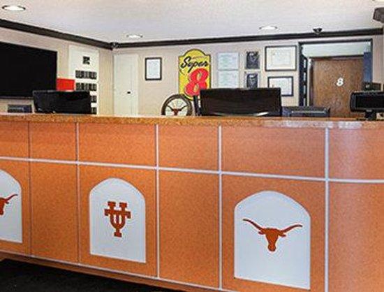 Super 8 Austin University/Downtown Area: Lobby
