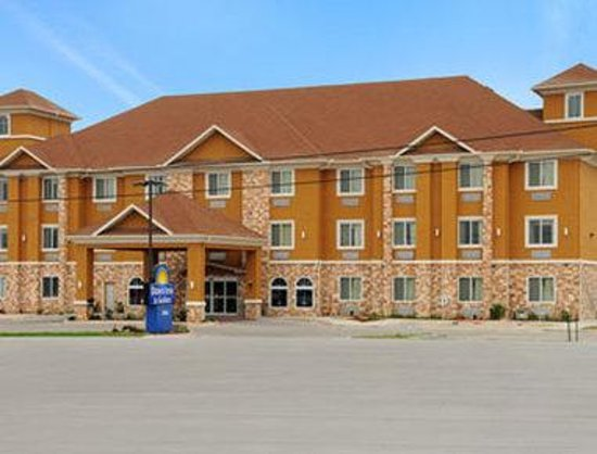 Days Inn & Suites Cleburne TX: Welcome to the Days Inn and Suites Cleb