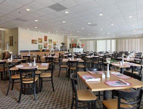 Days Inn & Suites Clermont: Breakfast Area