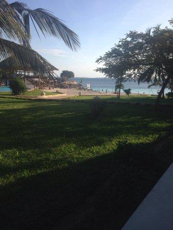 Royal Zanzibar Beach Resort: Vue de notre chambre. B12!