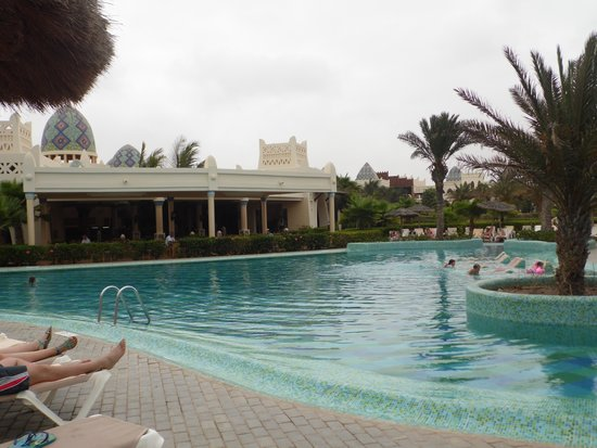Clubhotel Riu Karamboa : pool area