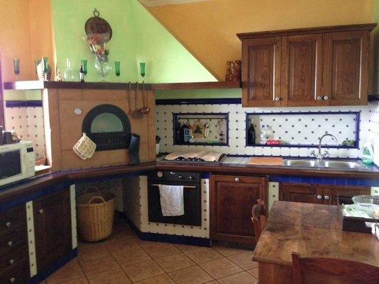 Villa Monica B&B: Kitchen