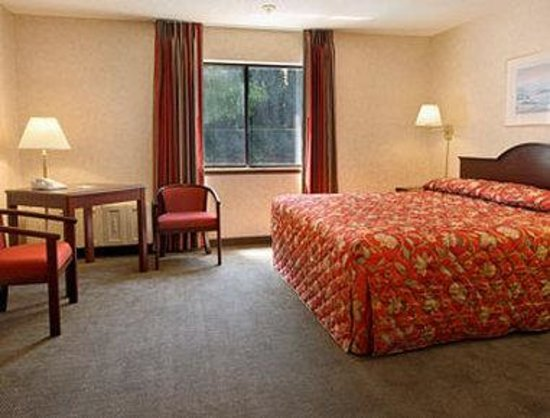 Motel 6 Gresham City Center: Standard King Bed Room