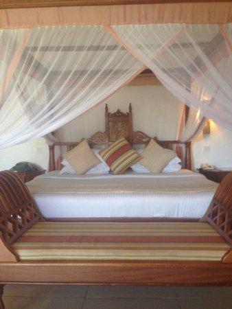 Royal Zanzibar Beach Resort: Notre lit!