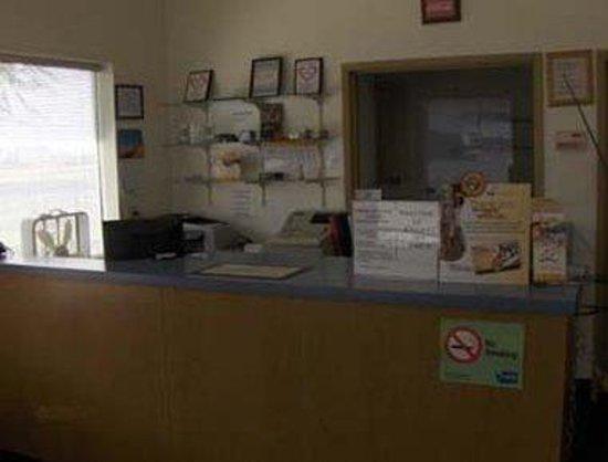 King City Knights Inn/Pasco WA : Front Desk