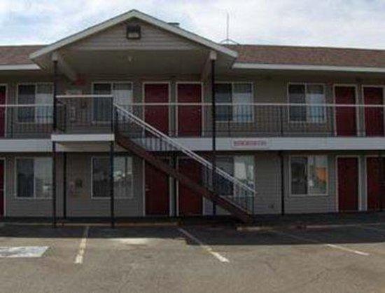 King City Knights Inn/Pasco WA : Exterior