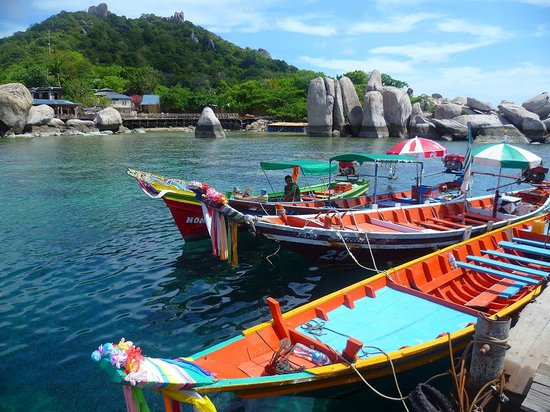 Koh Nang Yuan: i long tail le barche con cui si arriva all'isola