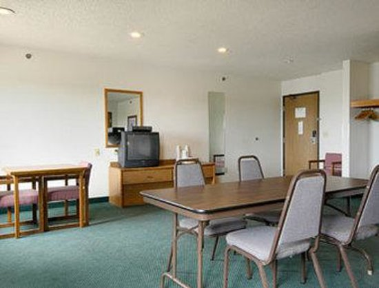 Super 8 Ionia MI: Meeting Room