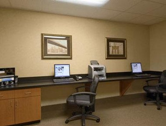 Wingate by Wyndham Peoria: Business Center