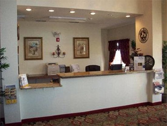 Super 8 Abilene South: Front Desk