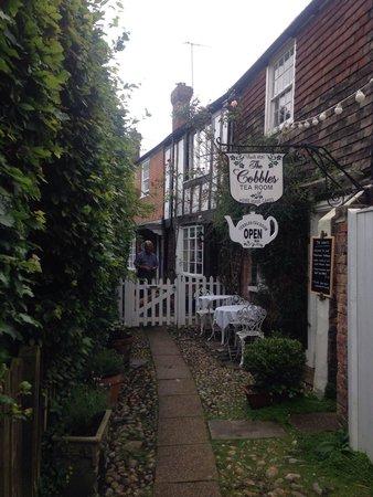 The Cobbles Tea Room: So sweet!