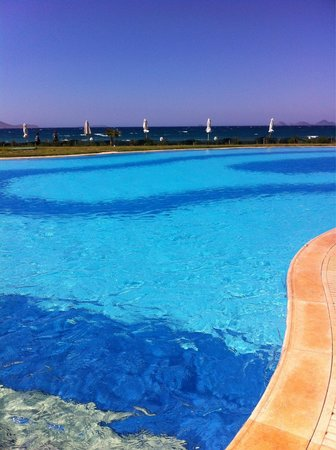 Astir Odysseus Resort & Spa: Great outdoor pools
