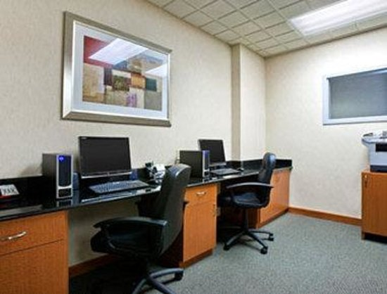 Wingate by Wyndham Spokane Airport: Business Center