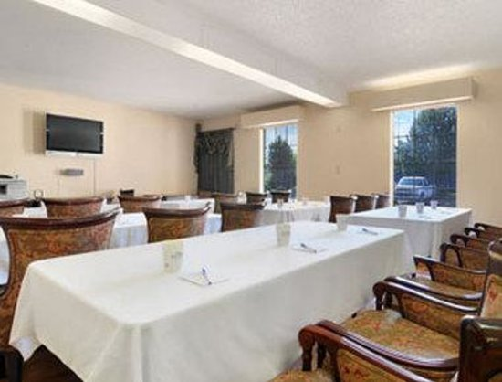 Baymont Inn & Suites Macon I-475: Conference Center