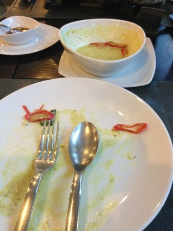 Nora Chaweng Hotel : Signature dish Kaeng Kiew Wan Gai (Thai Green Curry with chicken)