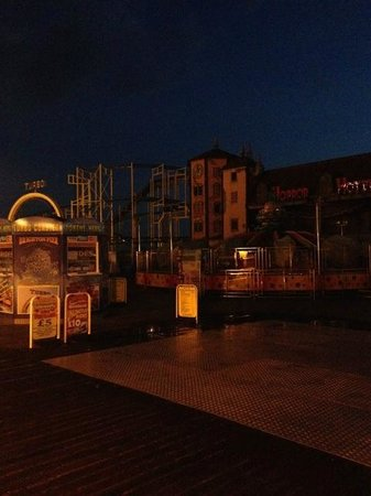 Brighton Palace Pier : Amusement attractions (closed)