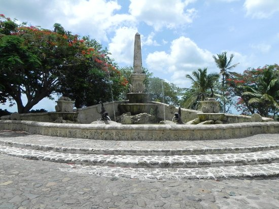 Altos de Chavon : Fountain