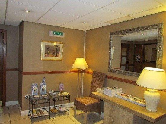 Canon Court Apartments: Reception