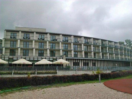 Holiday Inn Warsaw - Jozefow : exterieur
