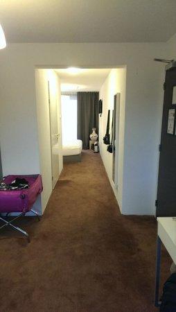 Patten Hotel: hallway