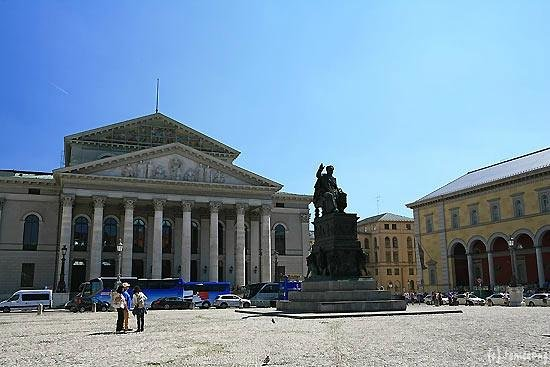 Bayerische Staatsoper: バイエルン国立歌劇場
