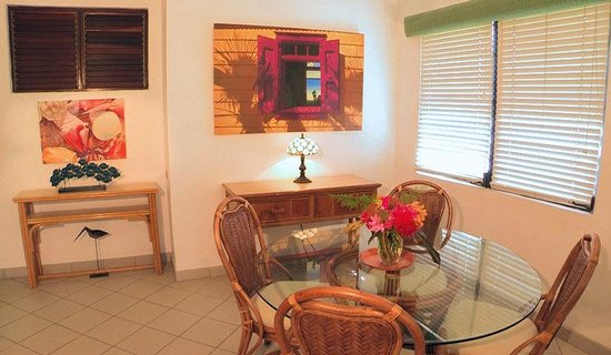 Carimar Beach Club : Dining Room for six