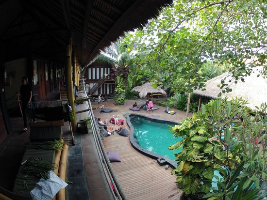 The Green Room Seminyak: Ansicht Camp links