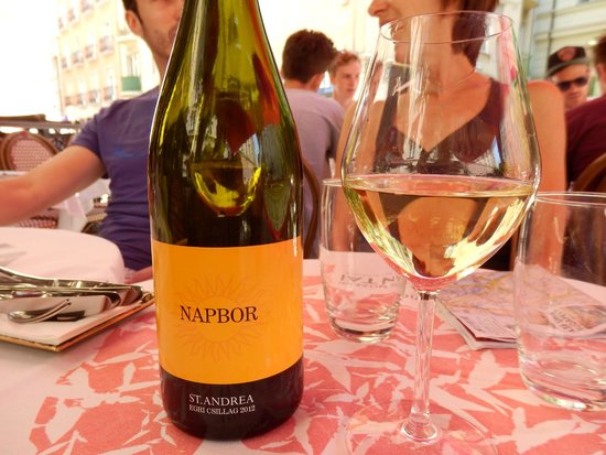 Gerloczy Kavehaz Cafe and Restaurant: St.Andrea Napbor: a great white wine (at a price...)