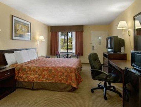 Days Inn San Bernardino/Redlands: Family Suite