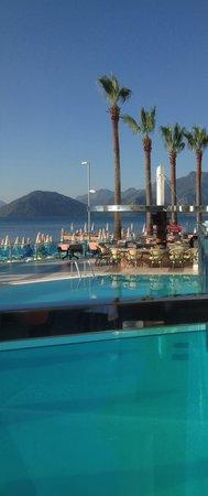 Hotel Marbella: View when having breakfast