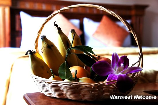 Royal Hotel: Fruit Basket