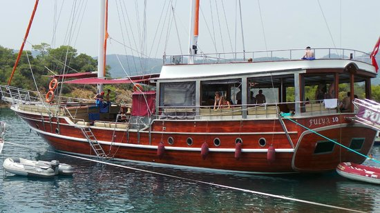 Hamish McTurk-Tours : Sailing with the beautiful gûlet - 12 islands Fethiye boattrip