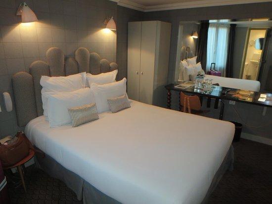 Hotel Paradis: 寝室