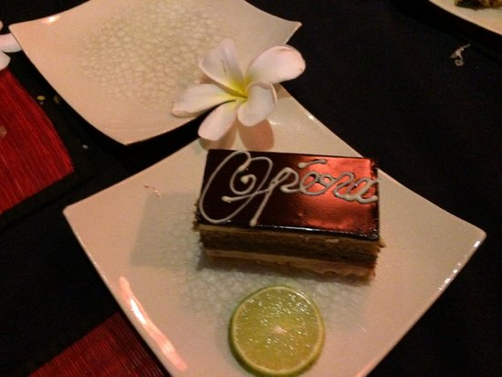The Touich Restaurant Bar: Opera Cake