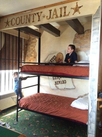 Fantasyland Hotel & Resort: the kids bunk beds
