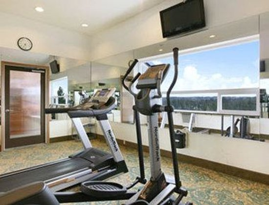 Baymont Inn & Suites Bremerton WA : Fitness Center