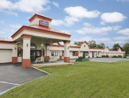 Diamond Inn: Welcome to the Howard Johnson Carlisle