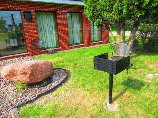 All Star Inn & Suites : Grill by Home Base