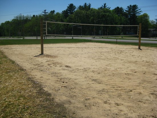 All Star Inn & Suites : Volleyball