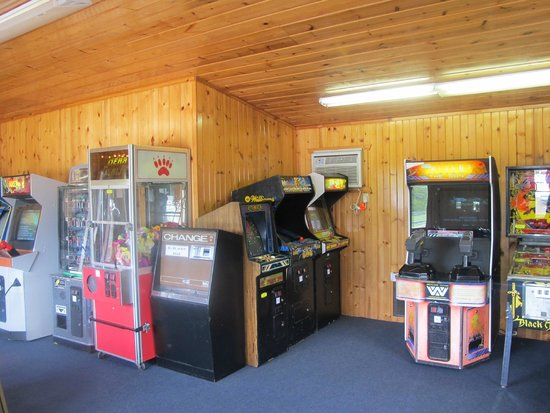 All Star Inn & Suites: Gameroom