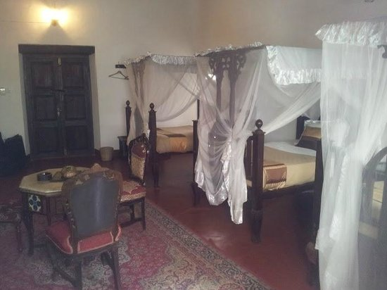 Dhow Palace Hotel : Luxurious sleep