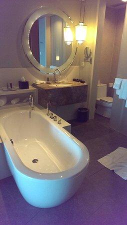 Rayong Marriott Resort & Spa: Bath