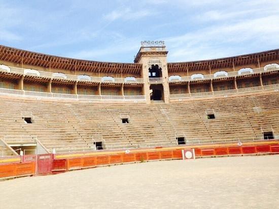 Baleares Coliseu Bullring: gradinate e arena