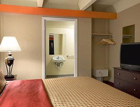 Days Inn Denver Downtown : Standard King Room