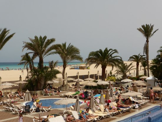 ClubHotel Riu Oliva Beach Resort : Hotel and beach