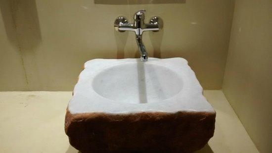 Amphitryon Boutique Hotel : Bathroom sink