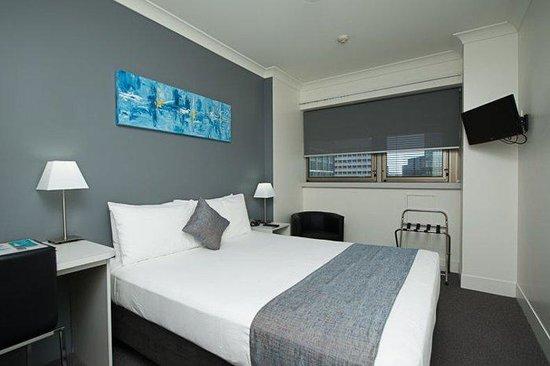 George Williams Hotel: Queen Room